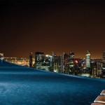 La Piscina Infinita ad alta quota. Ecco il Marina Bay Sands Hotel...