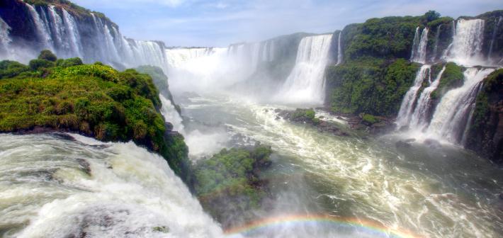 Il Paradisiaco paesaggio delle Cascate Iguazú