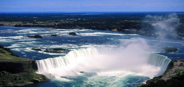 The Tower Hotel: una torre nel bel mezzo delle Niagara Falls