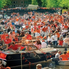 Queen's Day, la festa che colora tutta Amsterdam