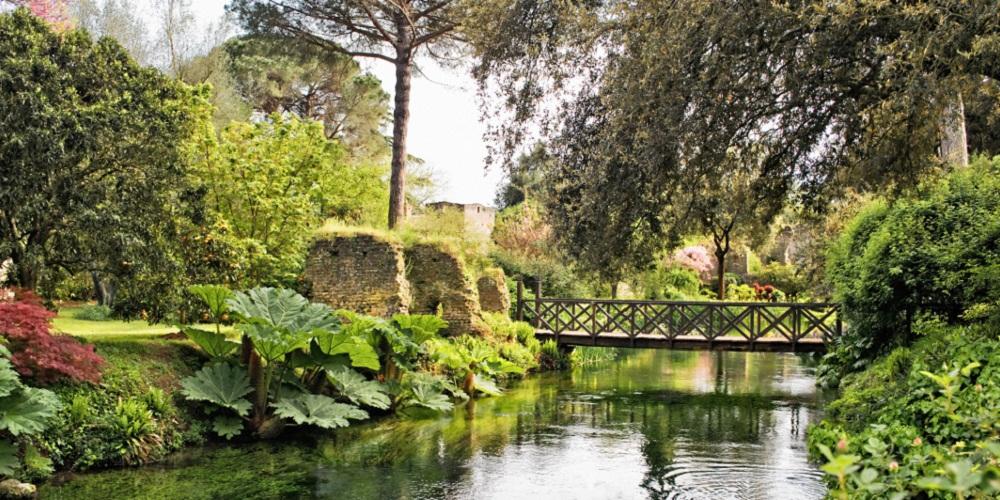 Il giardino di ninfa il pi bello e romantico del mondo for Giardino di ninfa cosa vedere