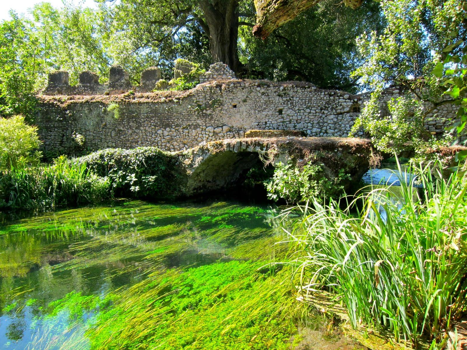 Il giardino di ninfa il pi bello e romantico del mondo - I giardini di alice latina lt ...