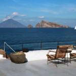 Vue sur le Stromboli depuis le restaurant de notre hôtel à Panarea