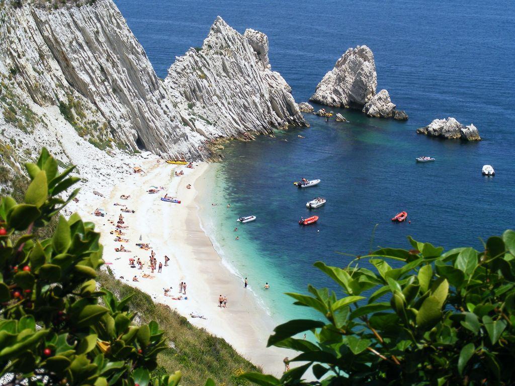Sirolo Italy  City pictures : Vacanze Low Cost: le 10 Spiagge Libere più belle d'Italia ...