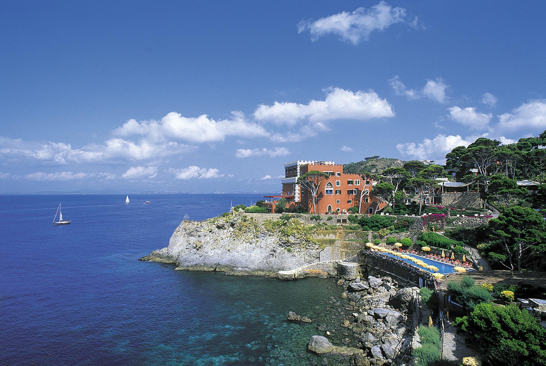 I 5 hotel sul mare pi belli d italia coolture hunter - Bagno italia ischia ...